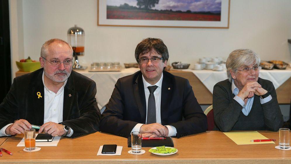 Foto: Puigdemont cita a los diputados de JxCAT para desbloquear su investidura. (EFE)