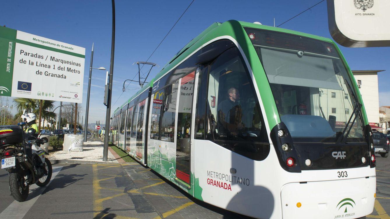 El caos del Metro de Granada: un accidente, incidentes, más retrasos y contratos a dedo