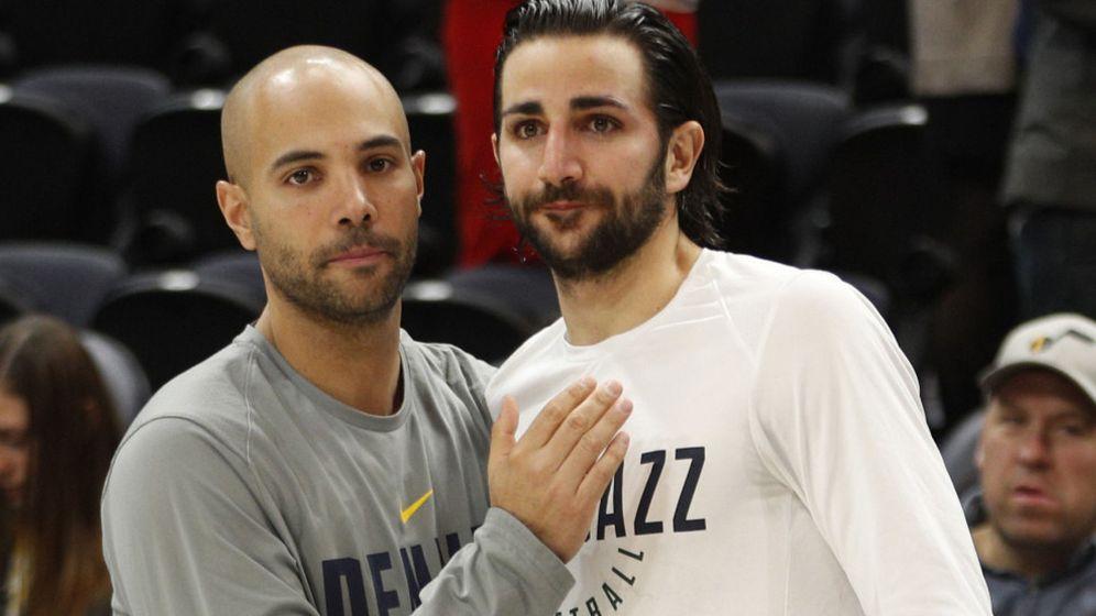 Foto: Jordi Fernández (i) junto a Ricky Rubio antes de un Jazz-Nuggets de esta temporada. (EFE)
