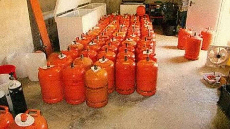La célula yihadista adquirió bombonas de butano para incrementar el poder de destrucción del artefacto explosivo que estaban fabricando.