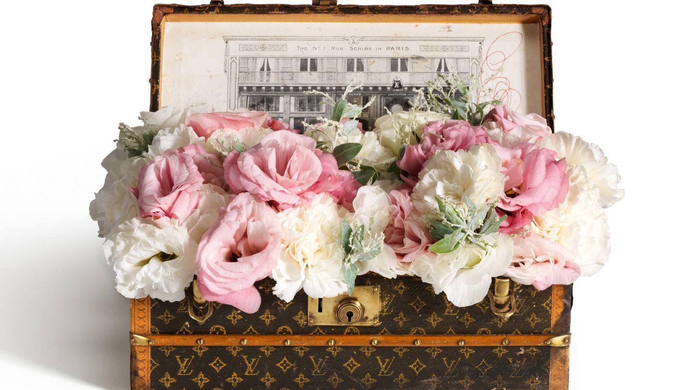 El baúl de flores se convirtió en un obsequio de la firma para sus clientas más fieles. (Imagen: Cortesía Louis Vuitton)