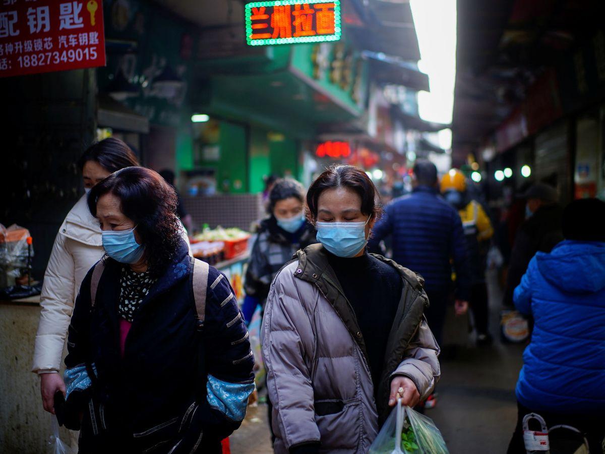 Foto: Mercado en las calles de Wuhan, (China). (Reuters)