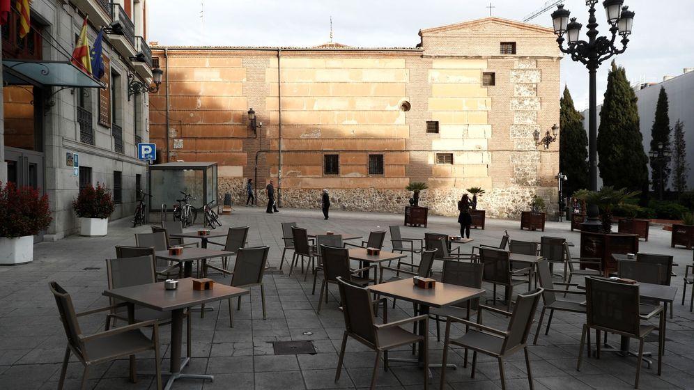 Foto: Vista de una terraza en la plaza de San Martín, en el centro de Madrid. (EFE)