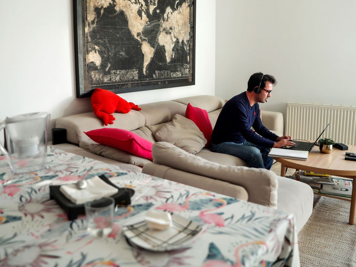 Photo: UK workers are the most affected by teleworking (EFE / Emilio Naranjo)