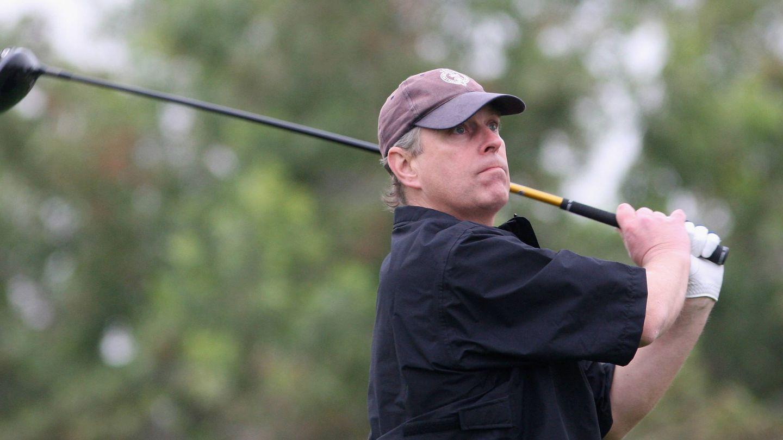 El príncipe Andrés de Inglaterra, en el campeonato de golf de Abu Dabi. (Getty)