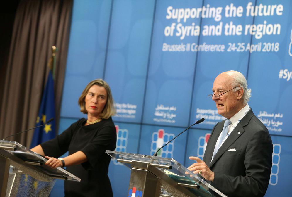 Foto: Federica Mogherini y el enviado especial de la ONU para Siria, Staffan de Mistura, durante la conferencia. (Reuters)