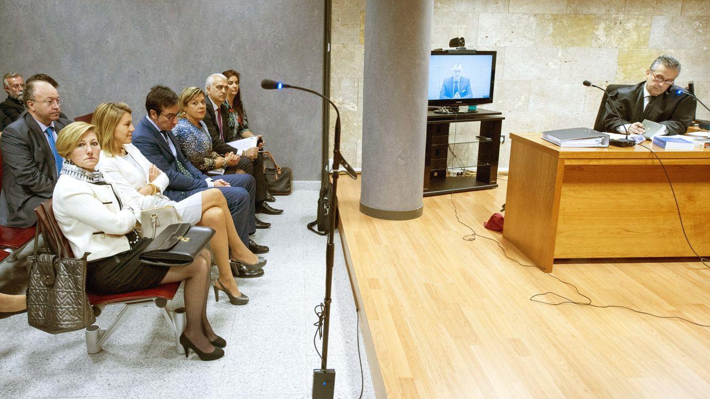 Cospedal 'perdona' su honor a Bárcenas: no puede cobrar la indemnización de 67.000€