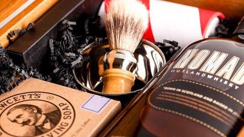 Whisky y afeitado en una caja de lujo