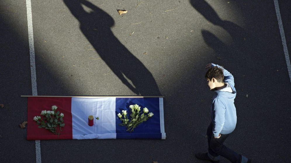Foto: Homenaje a las víctimas de París. (EFE)
