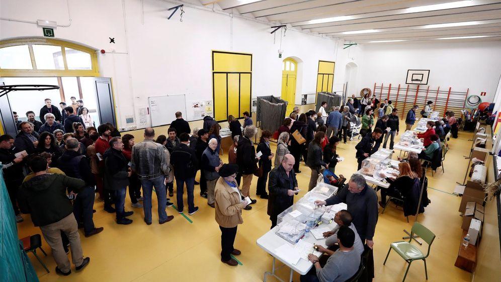 Foto: Elecciones del 26 de mayo en Pamplona (EFE)