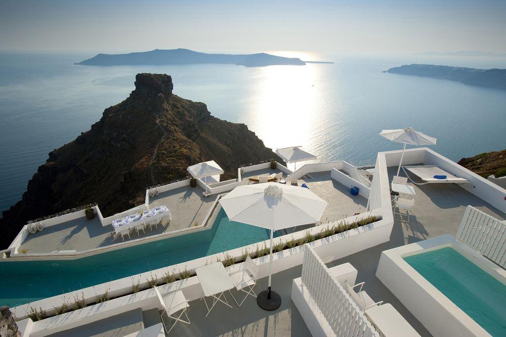Foto: El hotel Grace de Santorini con vistas a Skaros