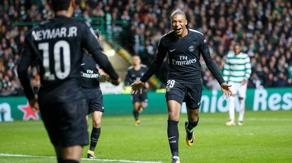 Foto: Mbappé celebra con Neymar un gol del PSG en la Champions. (Reuters)