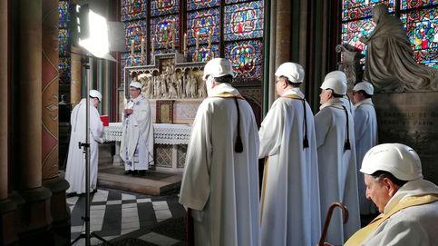 La precariedad domina la primera misa en la catedral de Notre Dame tras el incendio