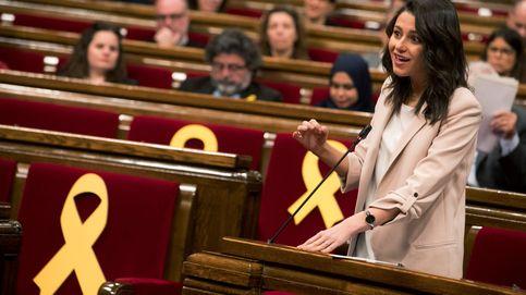 La 'inacción' de Arrimadas en Cataluña le pasa factura y empieza a perder apoyo