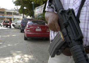Un grupo armado secuestra a 22 turistas mexicanos en Acapulco