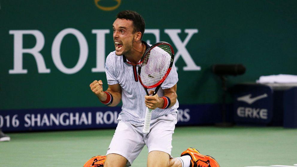 Gesta en Shanghái: Roberto Bautista se  impone con solvencia a Djokovic