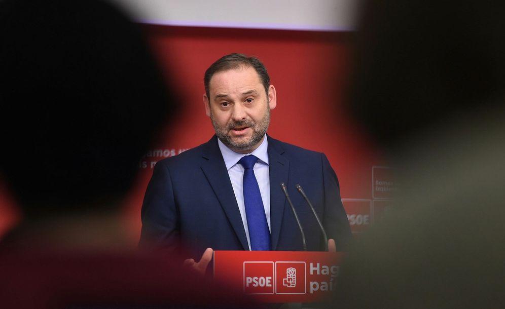 Foto: José Luis Ábalos, secretario de Organización del PSOE, este 26 de abril en rueda de prensa en Ferraz. (EFE)