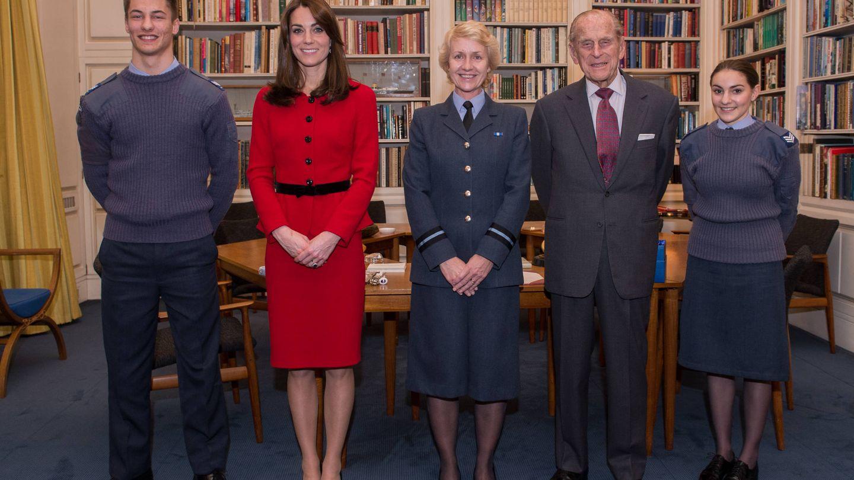 Kate Middleton, con el duque de Edimburgo en una imagen de archivo. (Getty)