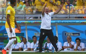 Scolari se olvida del fútbol y lleva a Brasil a la guerra contra todos
