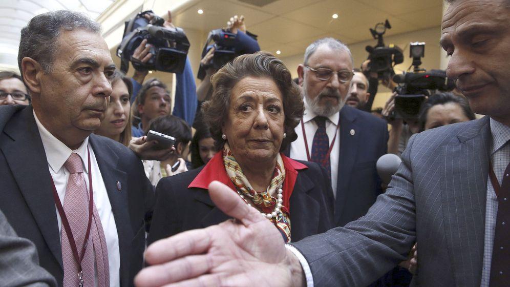 Foto: Rita Barberá, senadora y exalcaldesa de Valencia, en los pasillos del Senado. (Efe)