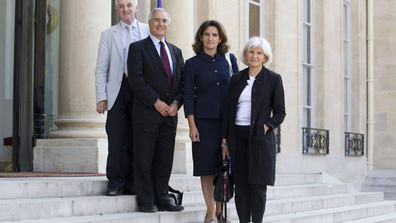 Teresa Ribera, con miembros del IDDRI, se reúne con François Hollande en el Palacio del Elíseo de París en julio de 2013 (Ian Langsdon / EFE)