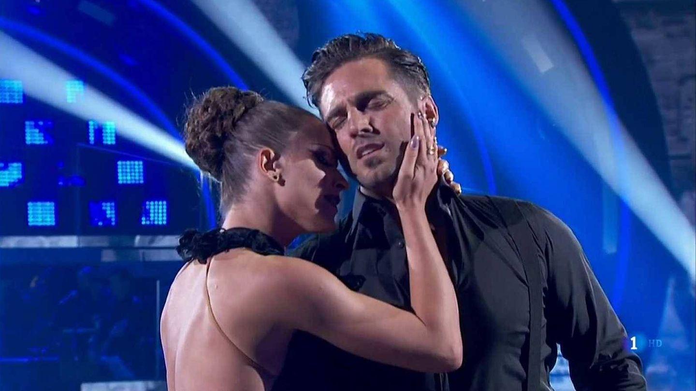 Yana y David, durante una actuación del concurso. (TVE)