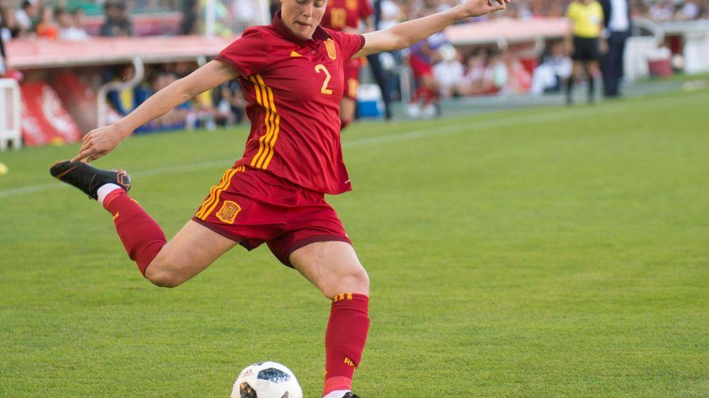 Foto: Celia Jiménez, en un partido contra Finlandia clasificatorio para el Mundial de Francia. (EFE)