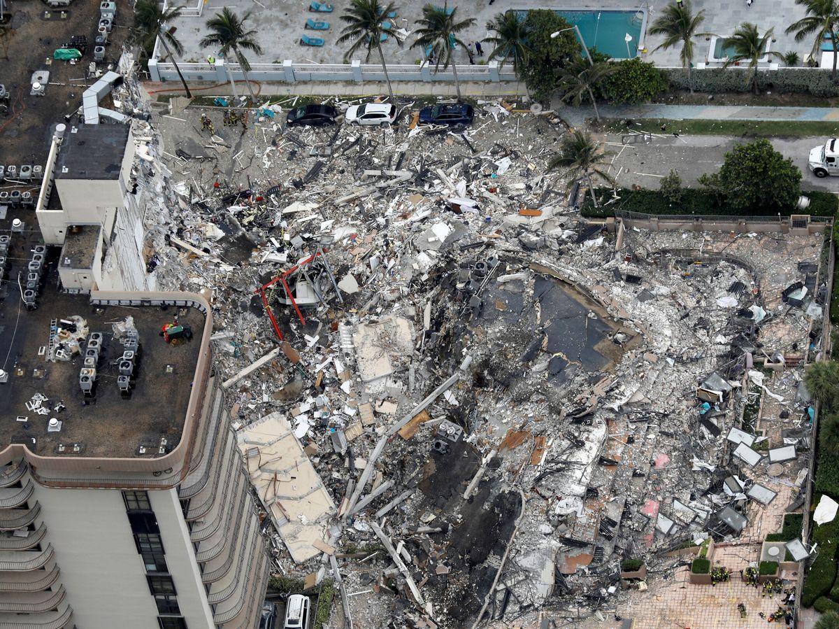 Foto: Vista aérea del edificio colapsado en Miami. (Reuters)