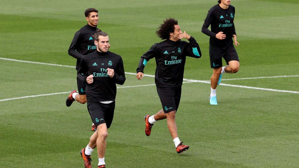 Foto: Bale, entrenando junto a Achraf, Marcelo y Vallejo. (EFE)