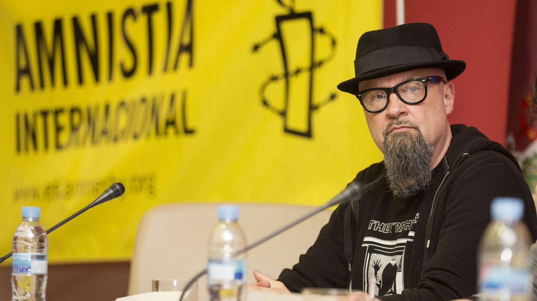 El músico César Strawberry, en la presentación de un informe de Amnistía Internacional sobre la libertad de expresión. (EFE)