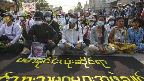 La junta birmana declara un alto el fuego con las guerrillas, pero no con los manifestantes