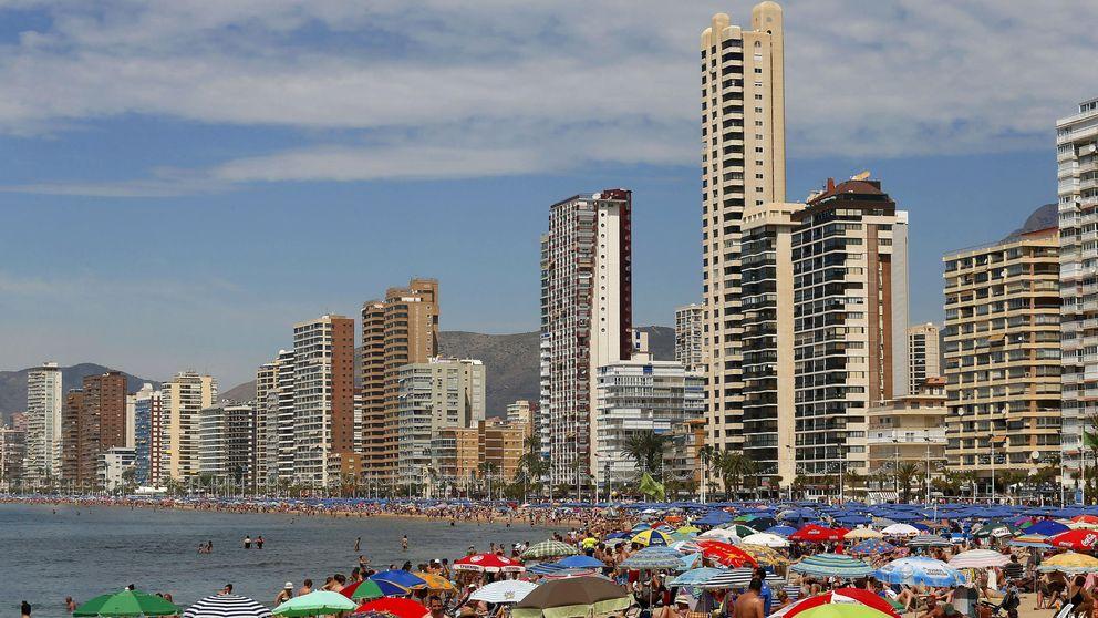 Puig abre una guerra contra Airbnb y Booking por ofrecer casas ilegales