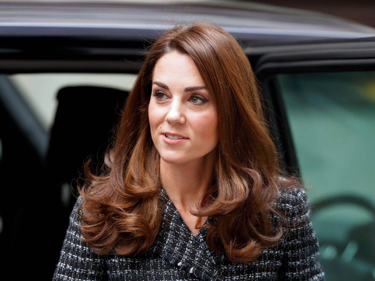 Foto: Kate Middleton, en una conferencia de salud mental con minifalda. (Getty)
