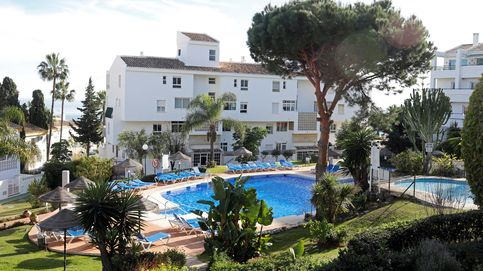 El padre y los dos hijos que murieron en la piscina de Mijas (Málaga) no sabían nadar