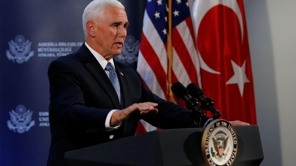 Foto: El vicepresidente de los Estados Unidos, Mike Pence, durante una rueda de prensa. (Reuters)