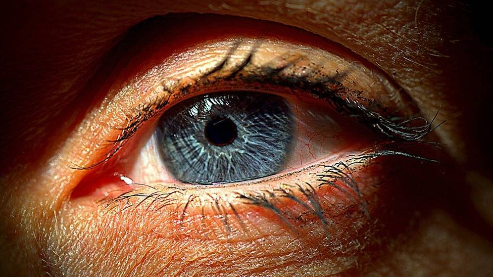 faad376e0829b Agujas en los ojos y destellos nocturnos  el precio de la cirugía para  librarse de las gafas