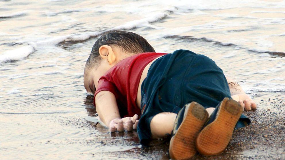 El niño sirio varado en una playa de Turquía es el símbolo de la tragedia