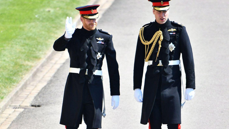 Los príncipes Guillermo y Harry, el día de la boda de este último. (EFE)