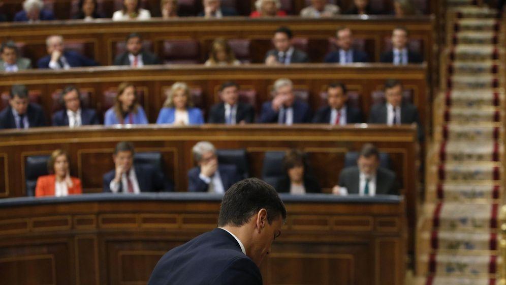 Foto: Pedro Sánchez, tras su intervención en el Congreso. (EFE)