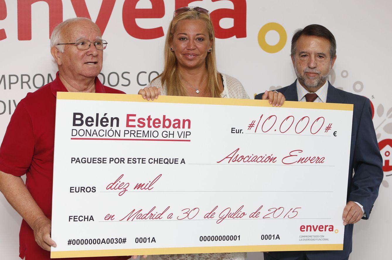 Foto: Belén Esteban durante la entrega del cheque (Gtres)