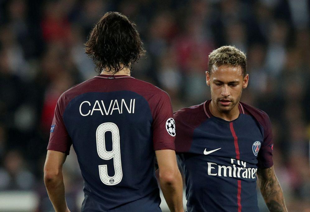 Foto: Neymar y Cavani durante un partido del PSG. (Reuters)
