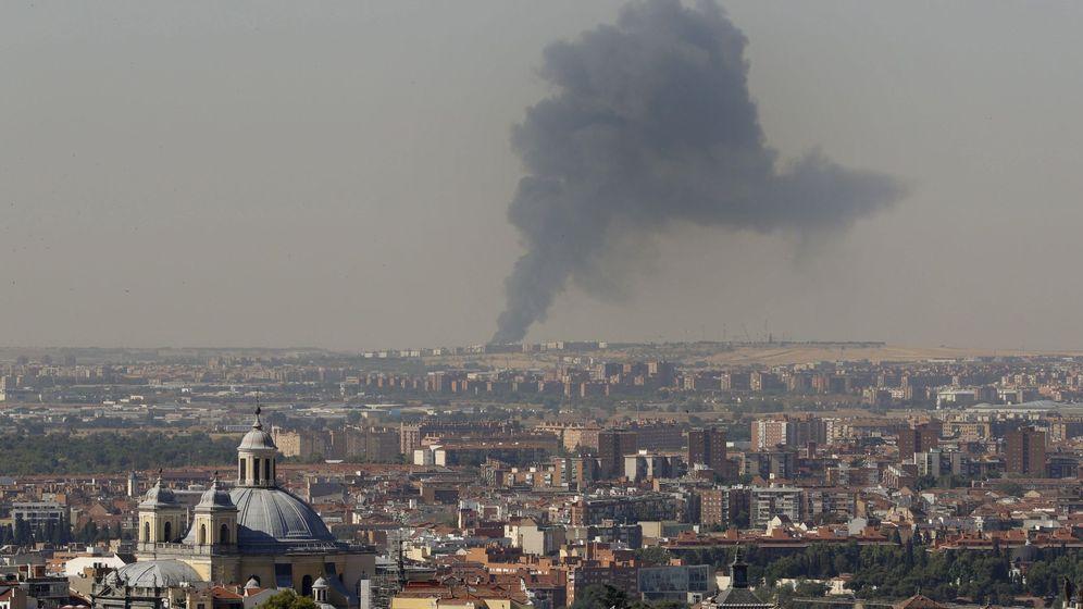 Foto: Un incendio, en el que no hay heridos, quema una nave en fuenlabrada