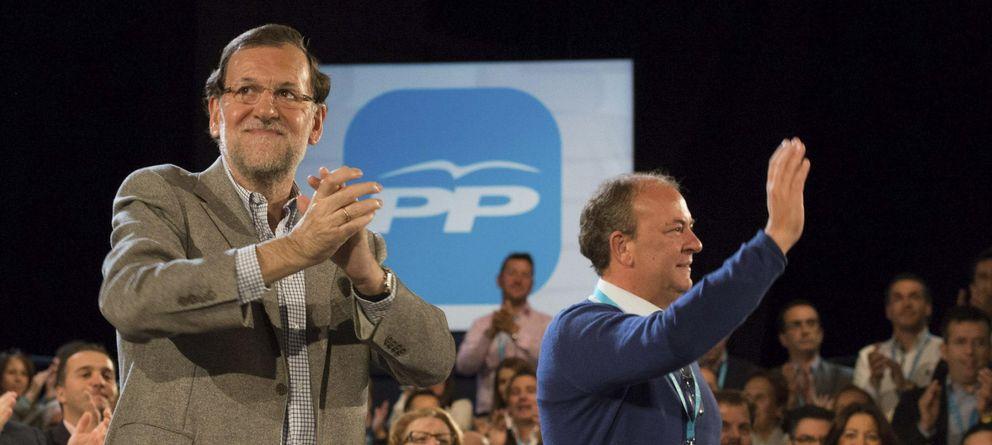 Foto: Mariano Rajoy y José Antonio Monago, en una imagen de archivo. (Efe)