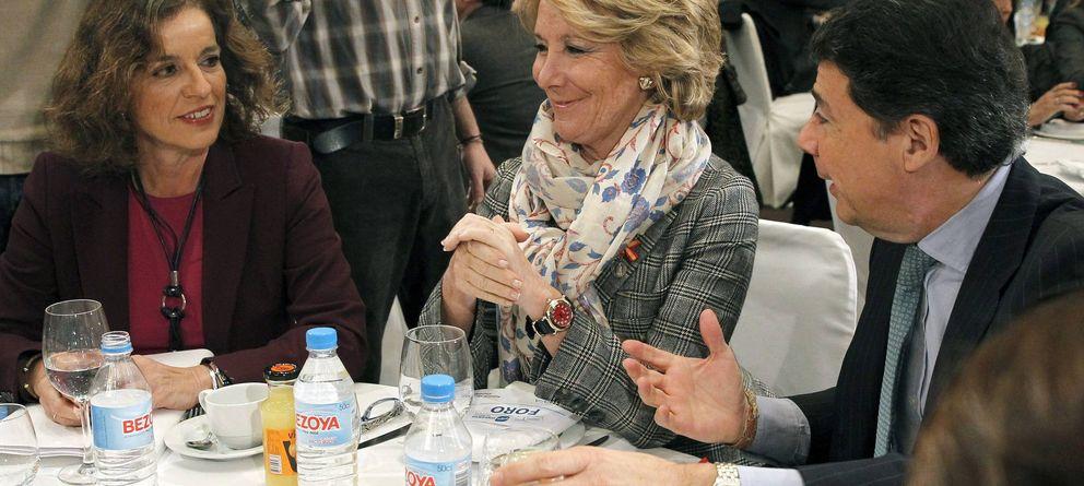 Aguirre desembarca en la convención con González, Botella y 200 de sus militantes