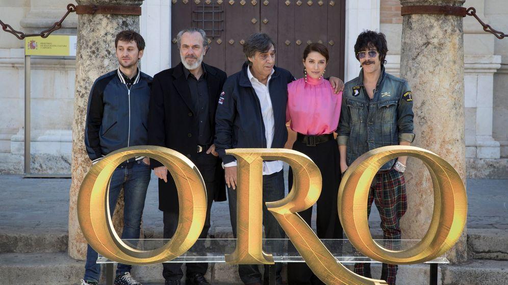 Foto: El equipo de 'Oro' en la presentación de la película en el Festival de Sevilla. (Efe)