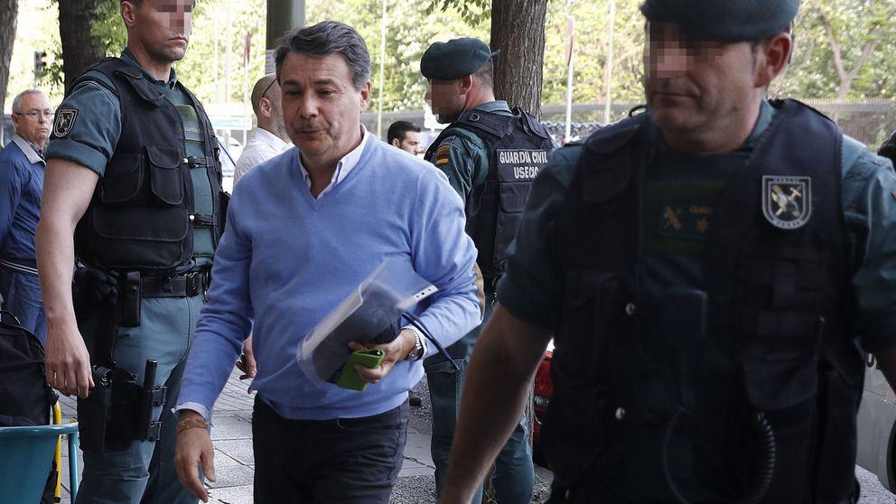 La UCO cree que González blanqueó dinero a través de su padre, bajo arresto domiciliario