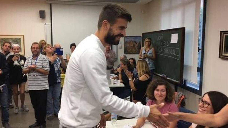 Gerard Piqué colgó en Instagram su foto sonriente mientras votaba el domingo.