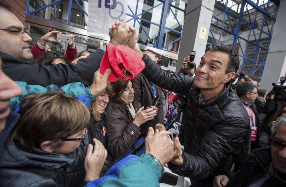 Foto: Pedro Sánchez, el pasado 26 de noviembre en Xirivella, Valencia, en la apertura de su gira con militantes. (EFE)