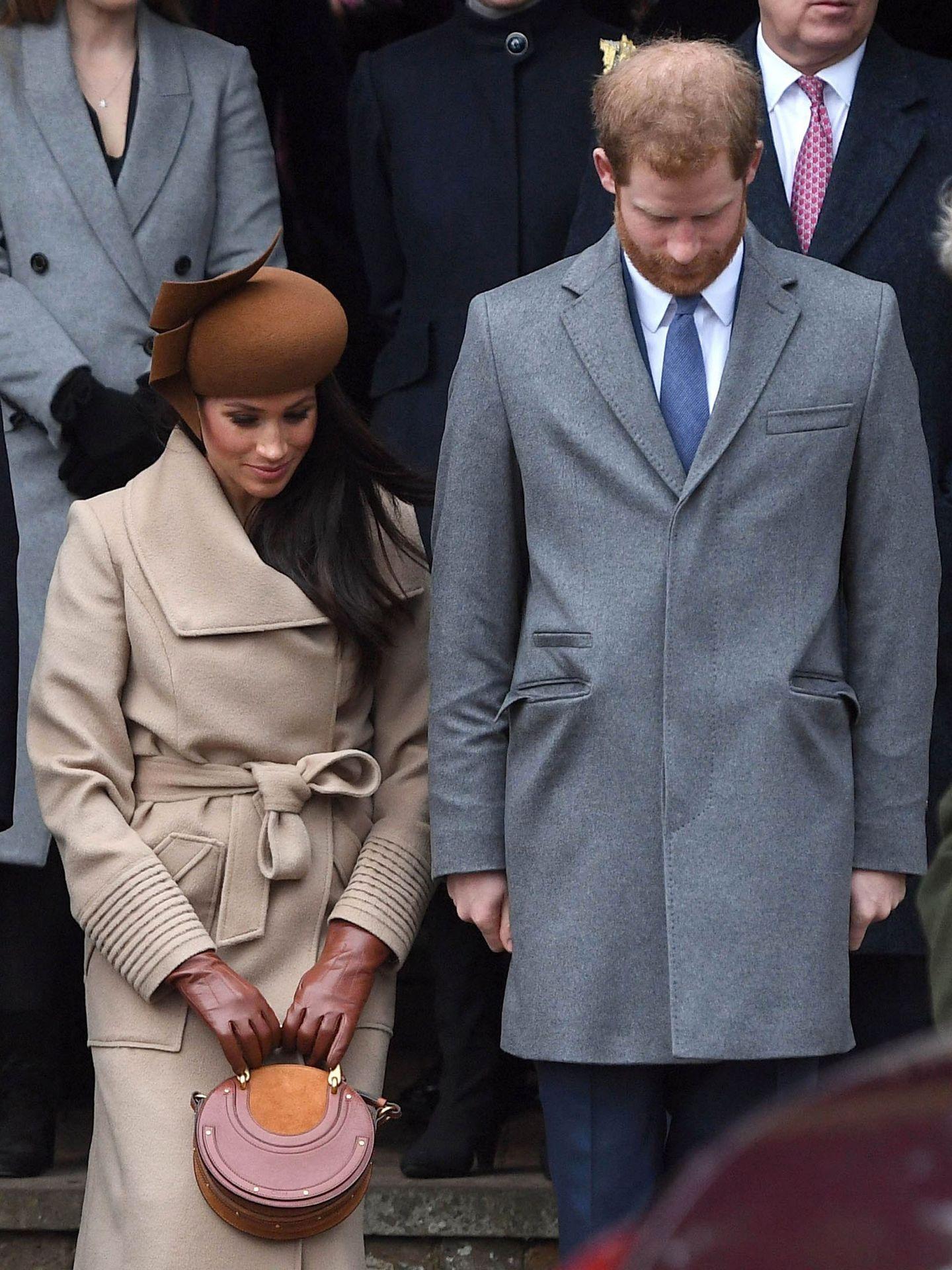 Incluso hizo la reverencia al paso de la Reina. (EFE)