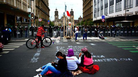 Habitantes de Arantepacua protestan en la ciudad de México